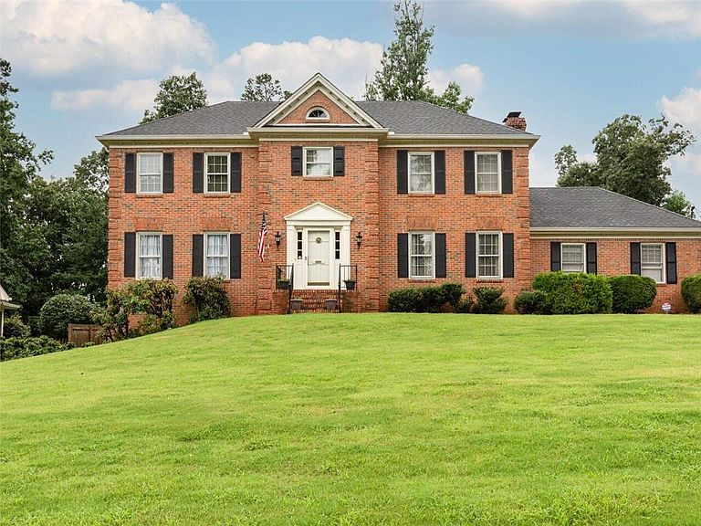 803 Angevine Ct SW - Call Dodson Realty Group to see this listing.